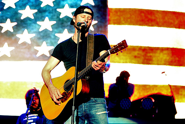 Dierks Bentley S 2014 Riser Tour To Make A Stop At Maine